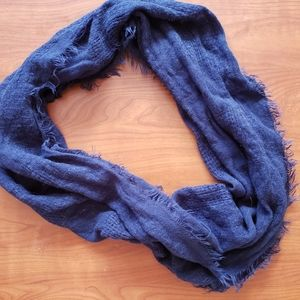 Accessories - 🎉5 for $25 navy infinity scarf